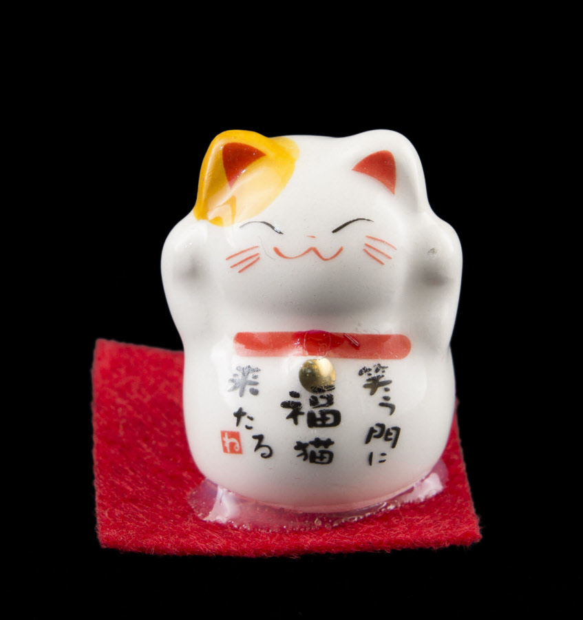 Chat prosperite japonais maneki neko et sa fleur de lotus 351 SD2B